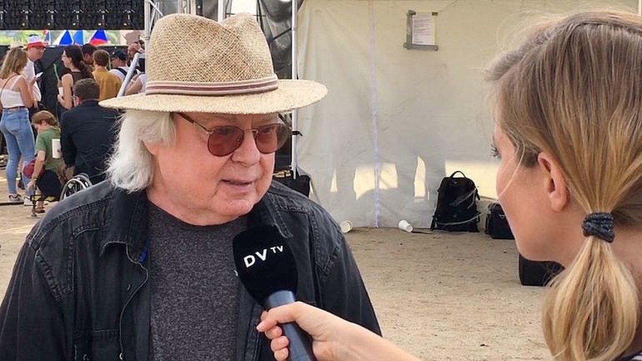 Babiš drží s pomocí komunistů český národ v šachu, říká Mišík
