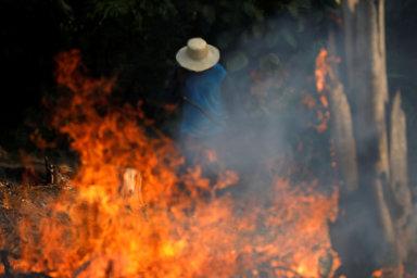 Vypalování Amazonského pralesa je výnosným obchodem organizovaného zločinu. - Ilustrační foto.