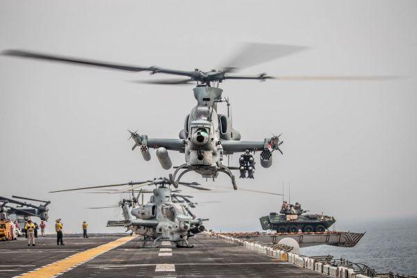 Česká armáda zvažuje pořízení čtyř útočných vrtulníků. Vipery zatím využívá americká námořní pěchota.