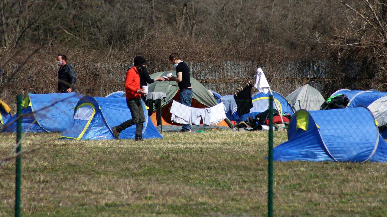 Bezdomovci v pražské Troji.