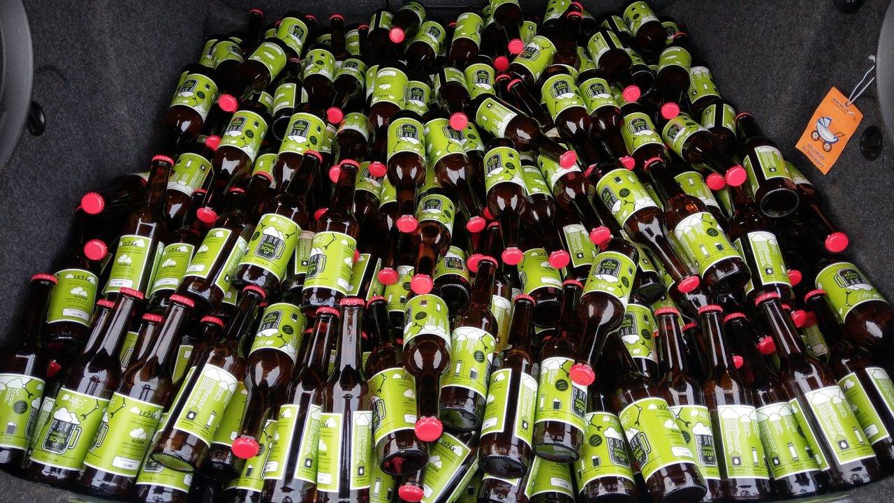 Společnost Asio uvařila ve spolupráci s pivovarem Frankies pivo z dešťové vody nazvané Zmoklá sova.