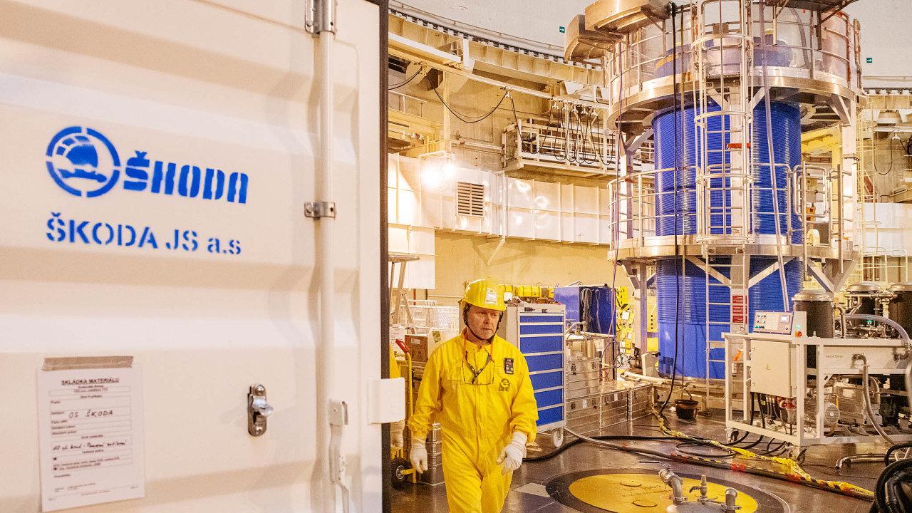 Plzeňská Škoda dodávala pro všechny tuzemské reaktory idozahraničí. DoJaderné elektrárny Temelín loni dodala nový kontejner navyhořelé palivo (nasnímku vpravo).