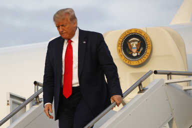 Trump útočí na právní ochranu sociálních sítí, umlčují podle něj konzervativní názory