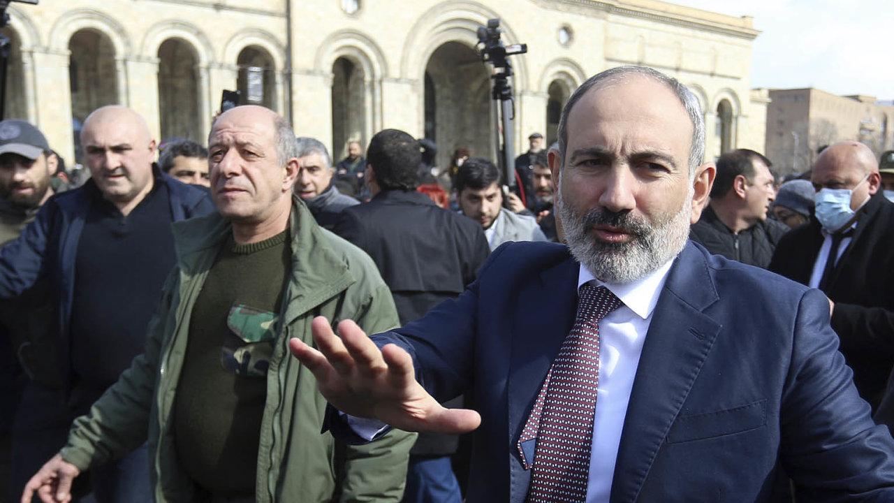 Nikol Pašinjan chtěl vést Arménii více na Západ, ale nemínil poškozovat vztahy s Ruskem.