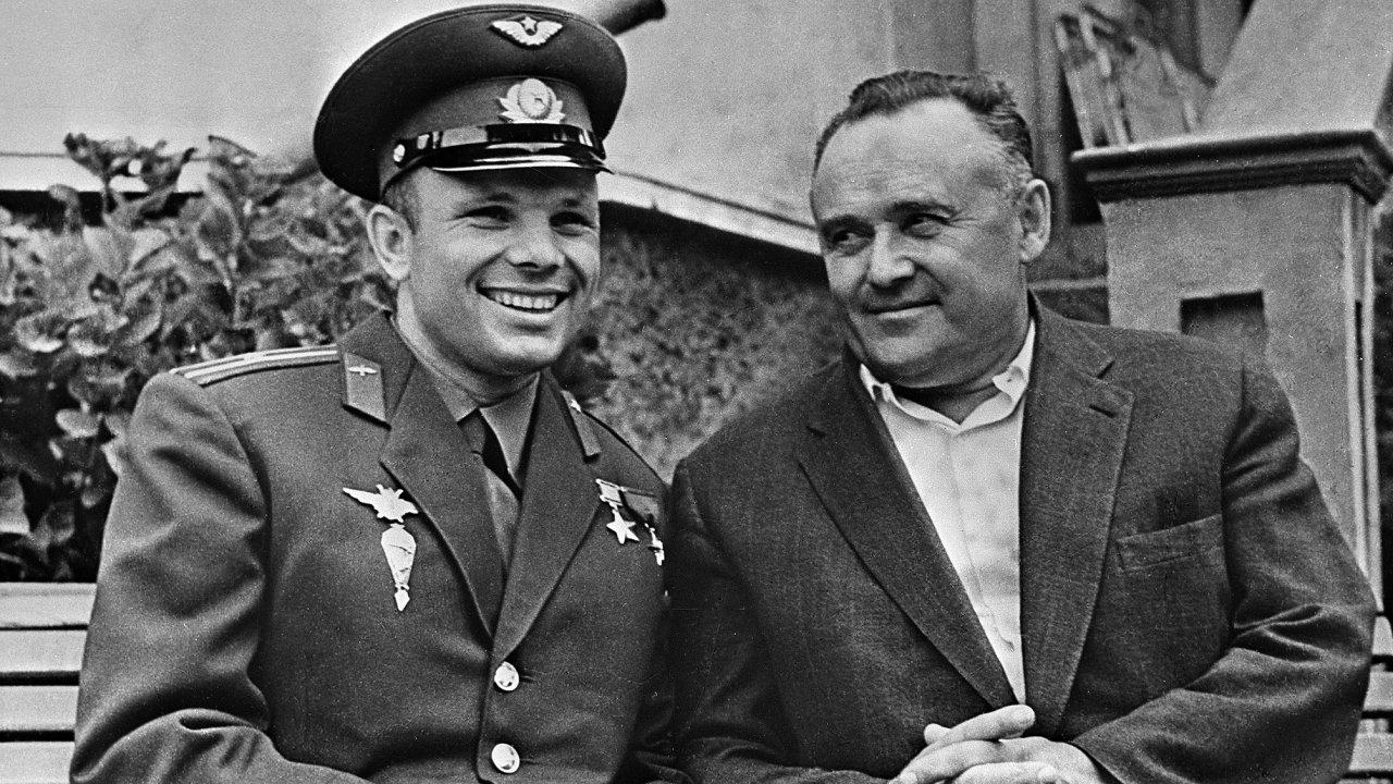 Jurij Gagarin a Sergej Koroljov.