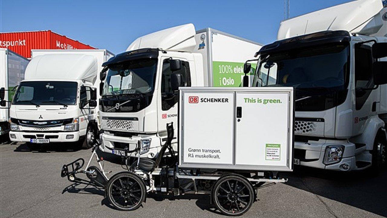 Elektrifikace rozvozu ve větších městech zahrnuje různé typy vozidel.