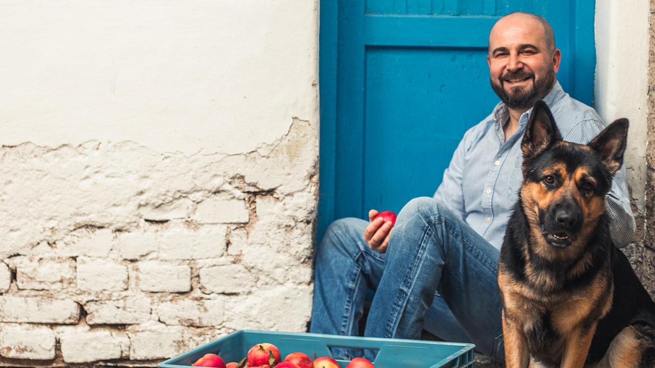 Farma Alaadina Iba se nachází vBořeticích najižní Moravě. Vyrábí produkty avaří lahodná jídla převážně zesurovin, které ekologicky vypěstuje. Marmelády, dětské výživy či kvašenou zeleninu.