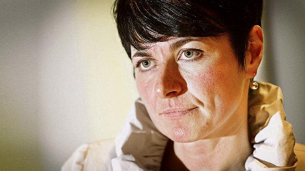 Lenka Bradáčová dozoruje vyšetřování Rathova případu.