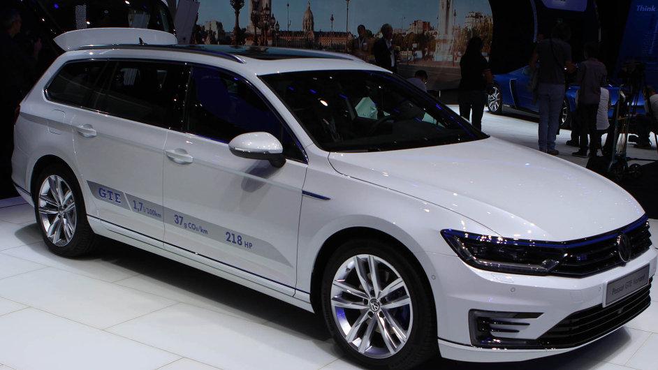 VW Passat GTE Variant: Hybridní novinka od Volkswagenu slibuje pro prvních 100 kilometrů s nabitou baterií spotřebu jen 1,6 litru na 100 kilometrů.