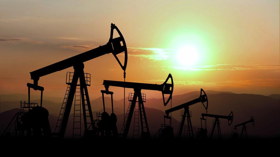 Přebytek na trhu s ropou se zvyšuje, OPEC dál zvyšuje těžbu - Ilustrační foto.