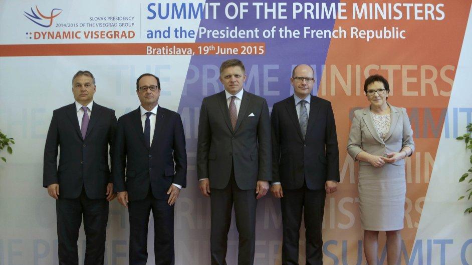 Zástupci zemí V4 při jednání v Bratislavě odmítli přerozdělování uprchlíků v rámci Evropské unie.
