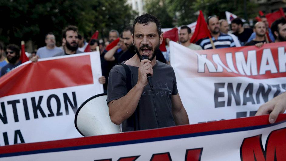 Ospalý protest. Únava Řeků je vidět i na jejich protestech. Už nejsou zdaleka tak razantní jako ještě před několika měsíci.