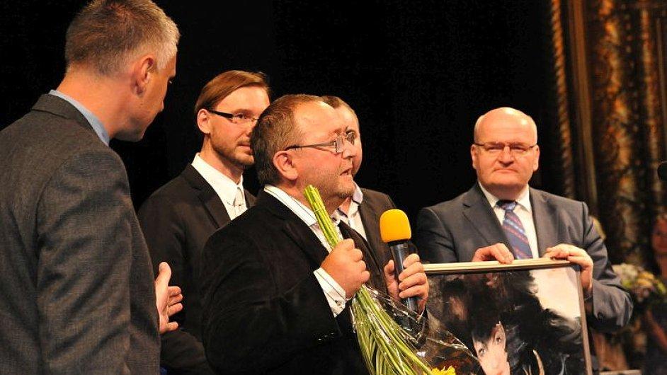 Vítěz při přádávání - druhý zprava Jan Dohnálek
