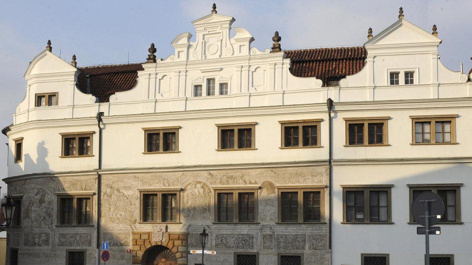 Čínská společnost CEFC kupuje další historickou budovu v Praze, získá Martinický palác na Hradčanském náměstí (na snímku z 22. února 2011).