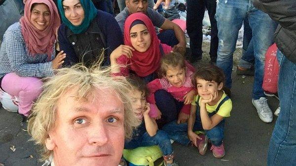 Šibík: Uprchlíci překračují srbsko-maďarskou hranici, jak chtějí, a jsou jich tisíce