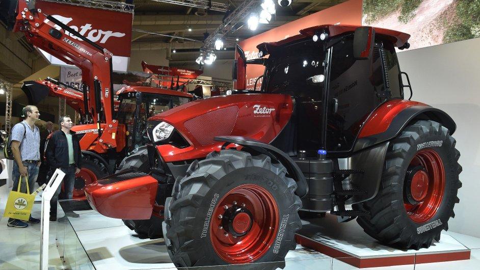 Koncept traktoru Zetor od designérského studia Pininfarina na veletrhu Agritechnica v Hannoveru.
