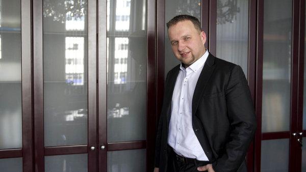 Otevřel Pandořinu skříňku, říká Ivan Pilný zANO oministrovi zemědělství Marianu Jurečkovi.