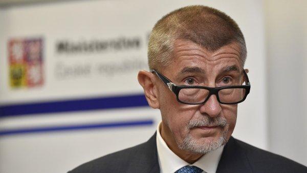 Komise ovšem do návrhu zakomponovala řadu omezení, která podle ministerstva financí mohou fakticky vyloučit Českou republiku z okruhu států, které mohou o reverse charge požádat.
