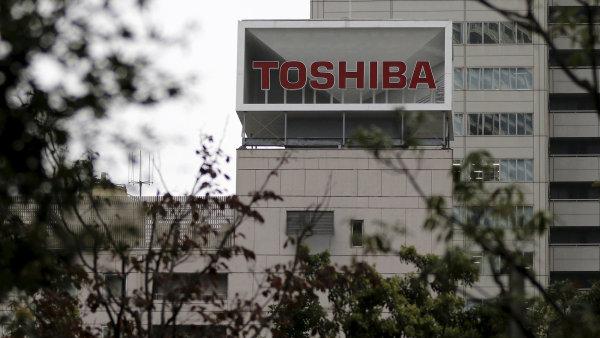 Toshiba chce prodat čipovou divizi skupině, za kterou stojí vláda.