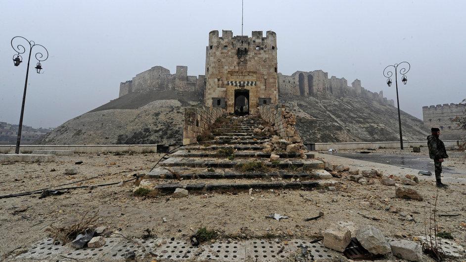Historická citadela v centru Aleppa.