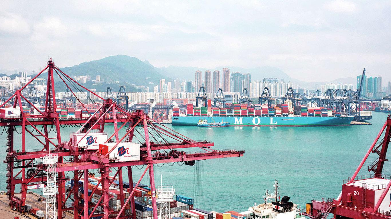 Největší kontejnerová loď světa MOL Triumph japonského rejdařství Mitsui O.S.K. Lines uveze už přes 20 tisíc TEU.