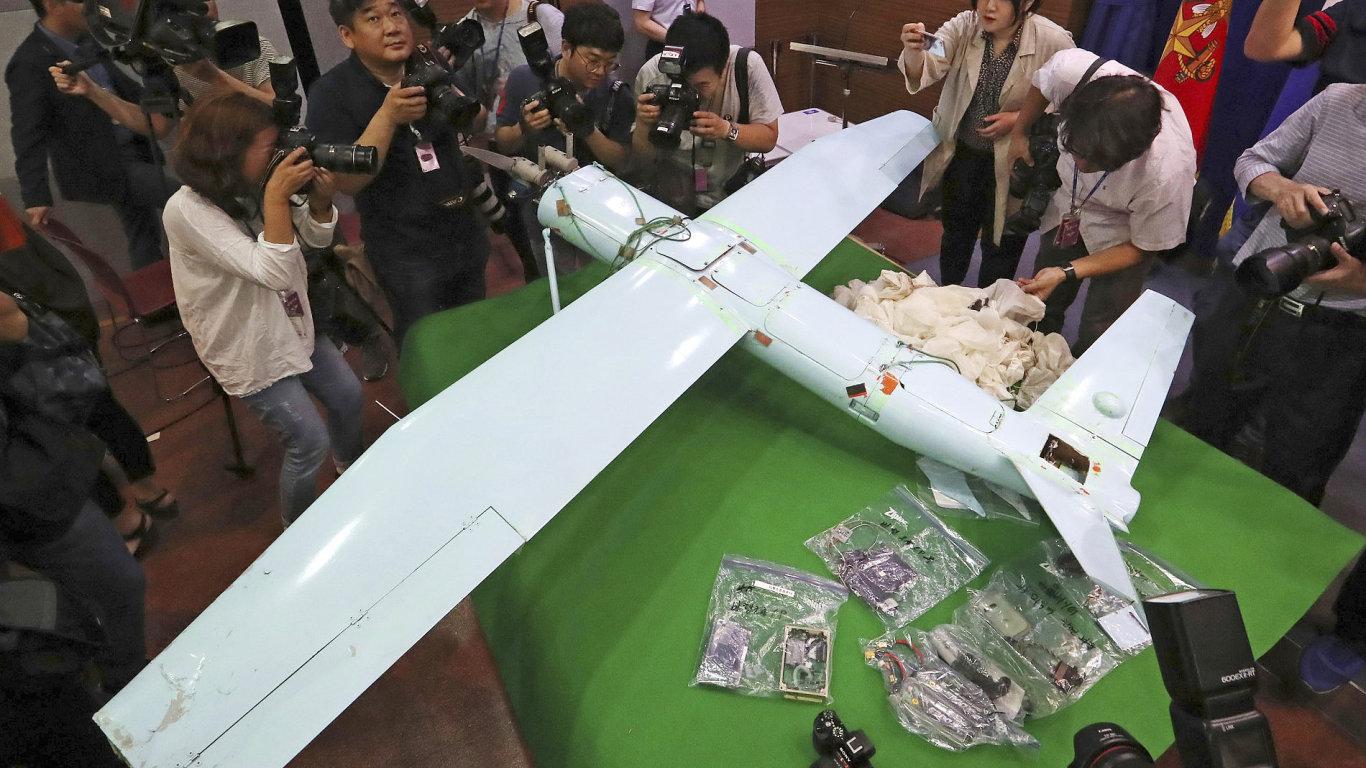 Severokorejský dron se momentálně nachází na ministerstvu obrany v jihokorejském Soulu.
