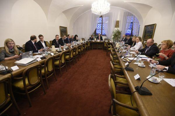 Sněmovní mandátový a imunitní výbor