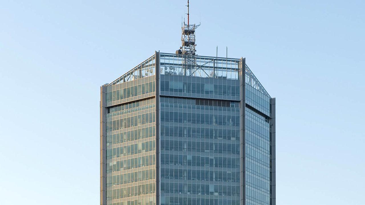 City Empiria: Výstavba 104 metrů vysoké kancelářské budovy začala vroce 1975, dokončena byla odva roky později. Vroce 2005 developer ECM dokončil její rekonstrukci.