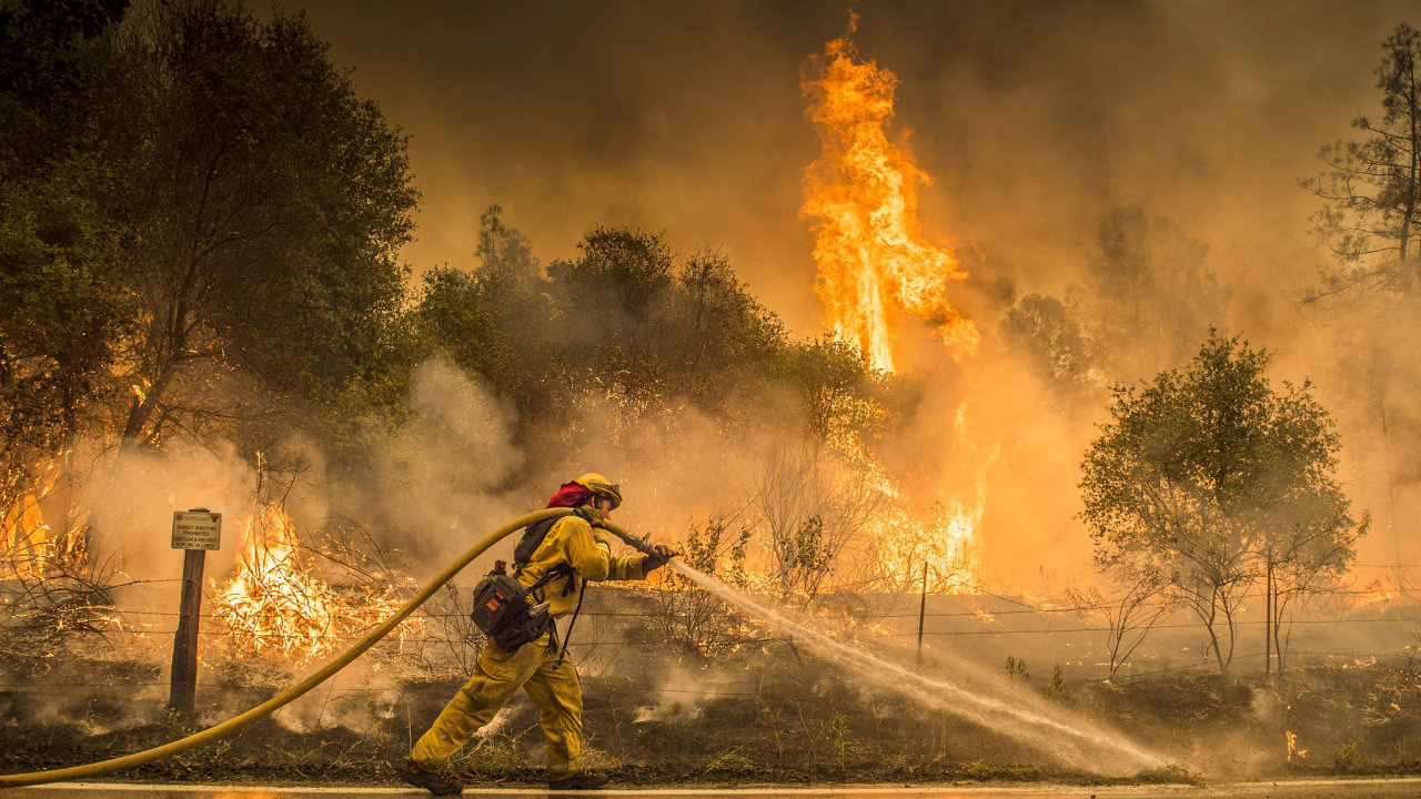 Požáry v Kalifornii.