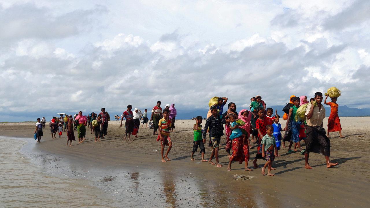 Rohingové prchající z Barmy.