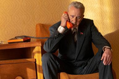 Stellan Skarsgard (na snímku) má vroli sovětského politika zajistit havárii vjaderné elektrárně Černobyl. Seriál Černobyl tento týden začala vysílat HBO.