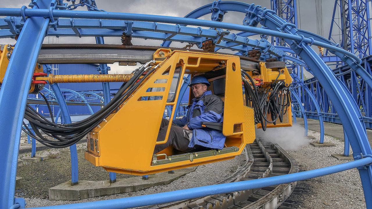 Největší podíl produkce Ferritu tvoří závěsný dopravní systém určený pro všechny typy důlních děl.