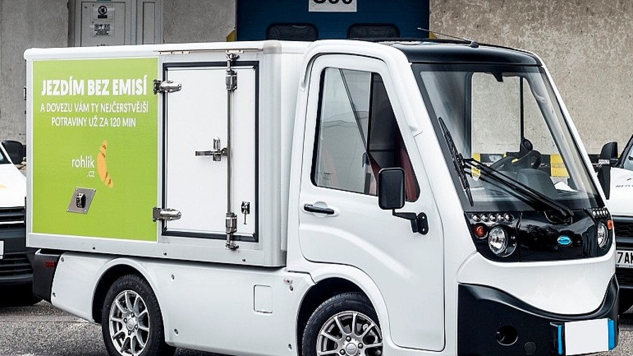 Elektromobil s výměnnou baterií systému BattSwap.