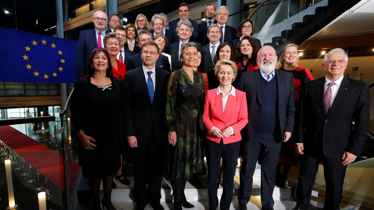 Nově zvolená Evropská komise.