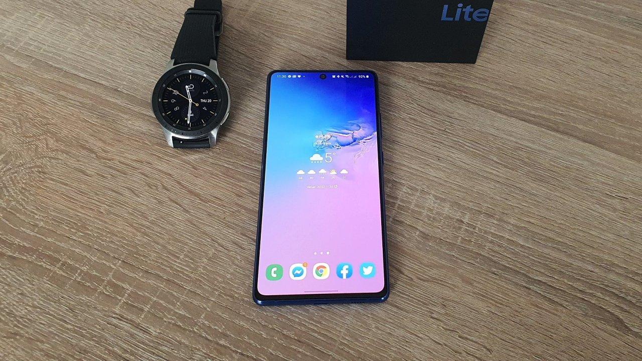 Galaxy S10 Lite má špičkový výkon a výdrž baterie, v nabídce Samsungu má ale netradiční pozici