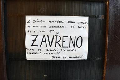 Že je zavřeno, hlásil svým klientům i fitness klub na pražské Zbraslavi.