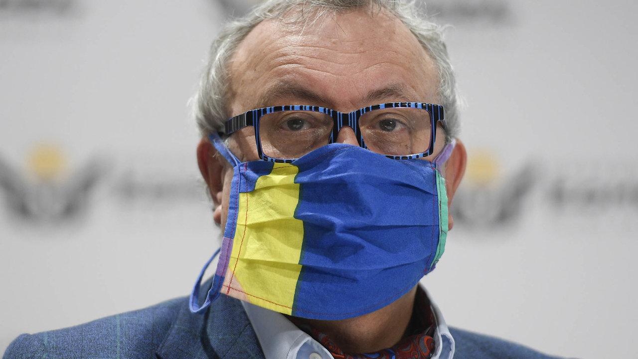 Podle prezidenta Hospodářské komory Vladimíra Dlouhého musí stát ivdobě krize myslet nadlouhodobé investice. Navíc vrámci nich mohou získat zakázky také tuzemské firmy.
