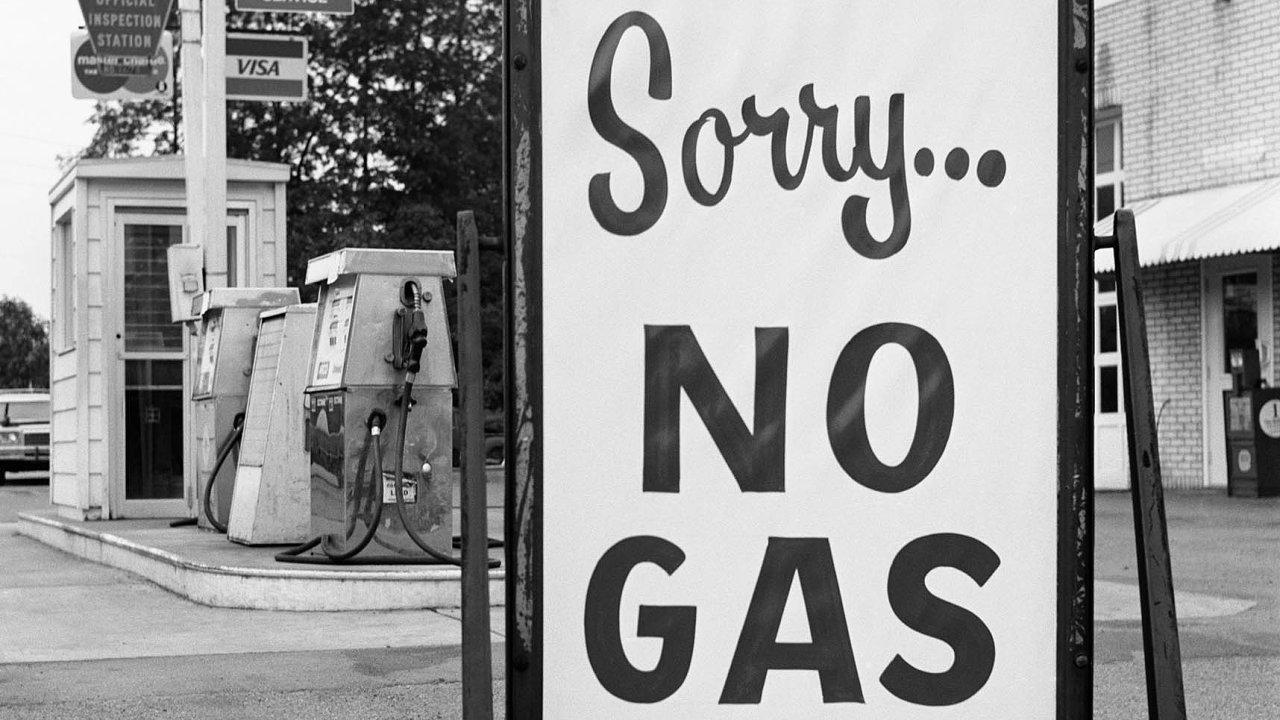 Pumpy mimo provoz. Ropné šoky ze 70. let minulého století způsobily nedostatek pohonných hmot na Západě.