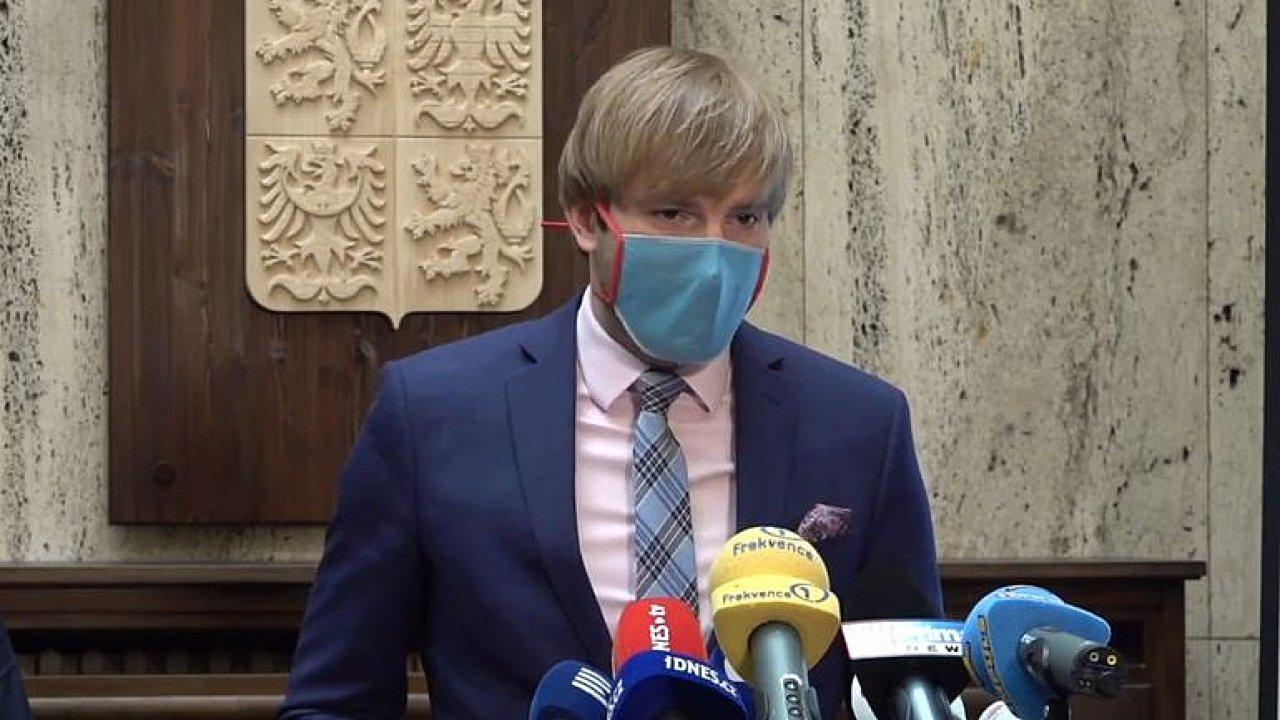 Živě: Kde hrozí riziko nákazy koronavirem? Ministerstvo představuje semafor Česka