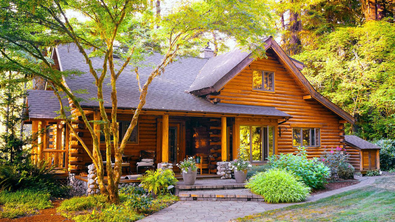 Dřevostavbu si často pořizují lidé se silným ekologickým smýšlením, kteří pasivní standard doplní ipřilehlou zahradou sprvky permakultury nebo vlastní fotovoltaikou.