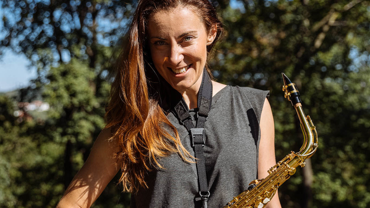 """""""Zezvuku saxofonu se mi tají dech,"""" říká Pavlína Zychová zMyStay."""