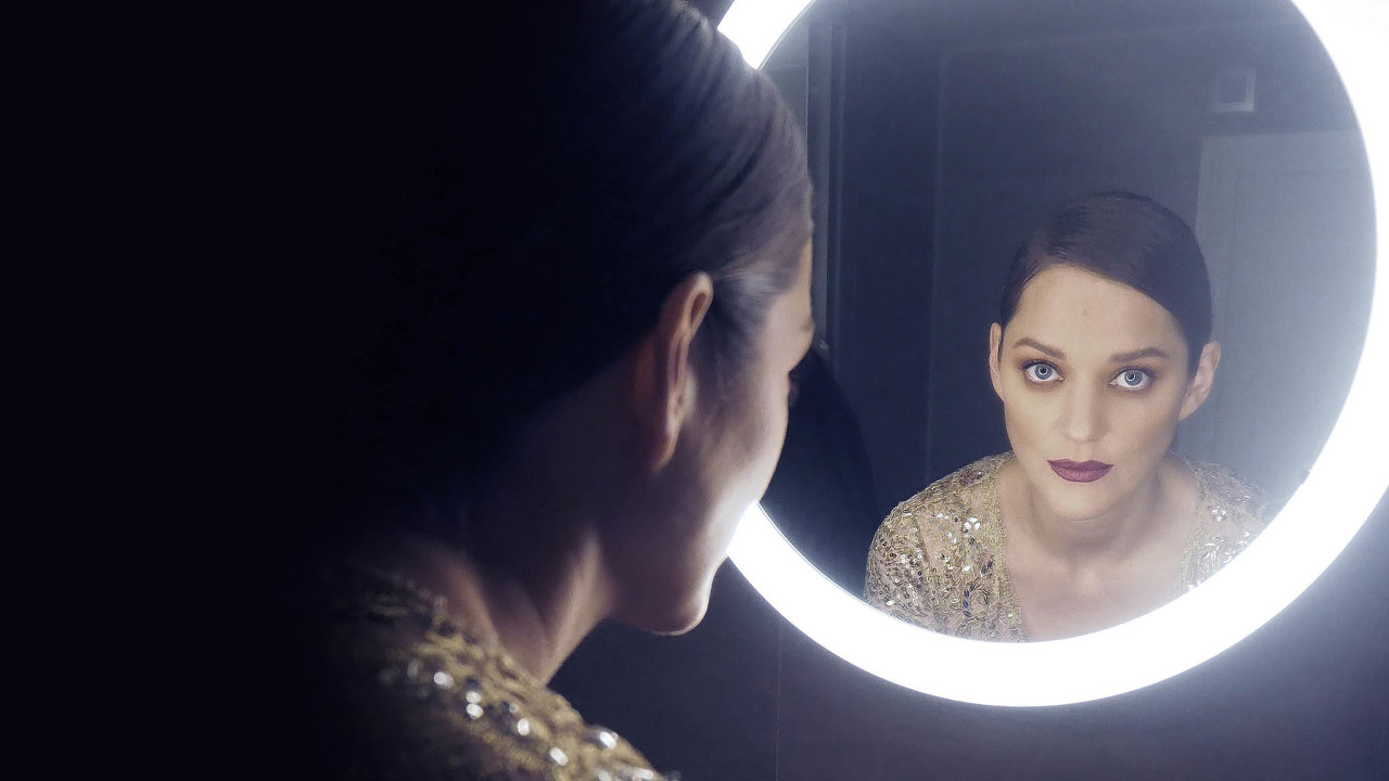 Marion Cotillardová se stala novou tváří parfému Chanel No. 5.