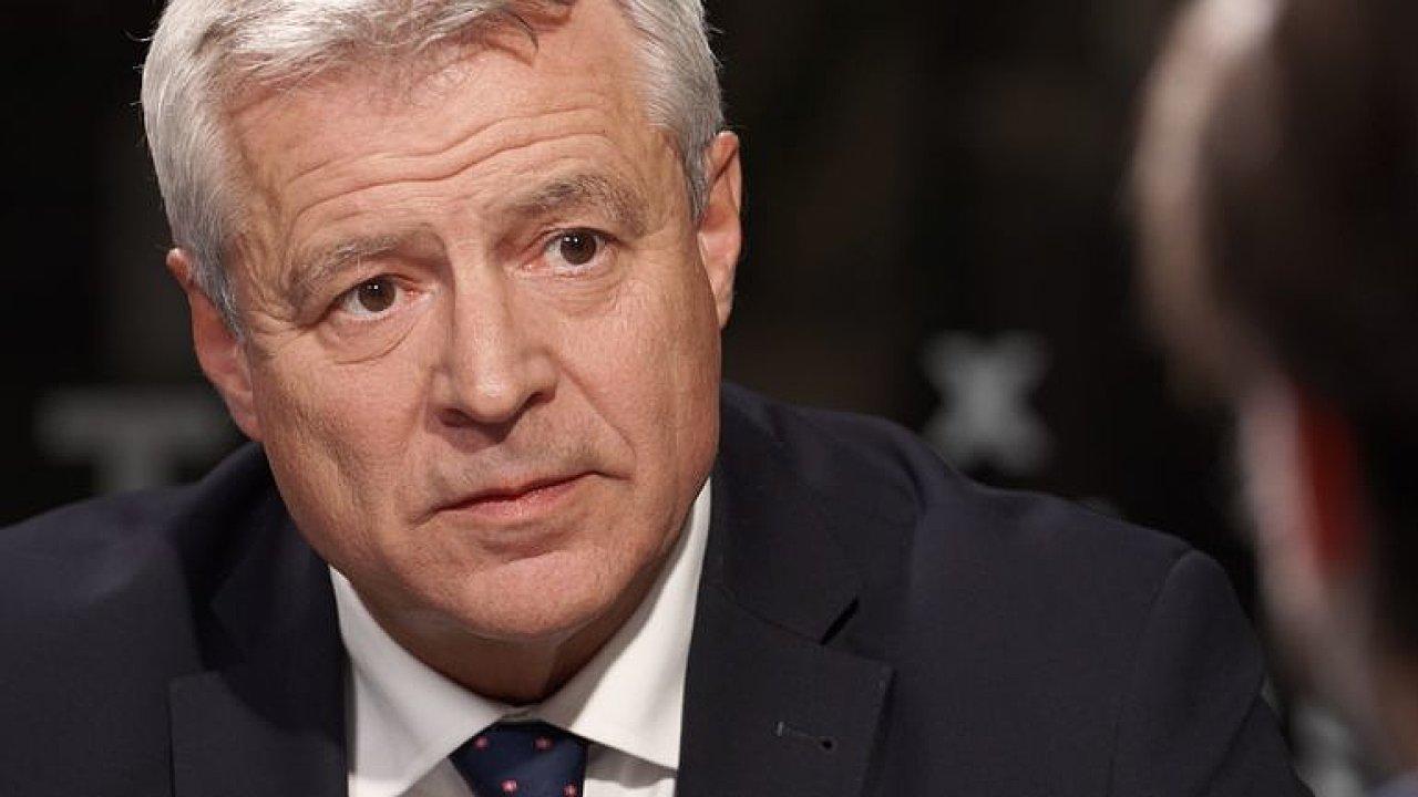 Hamáček lže, chtěl si šplhnout u Zemanových voličů, jeho výkon je zoufalý, říká Kolář.