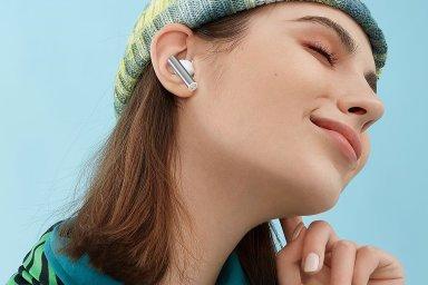 Po překvapivě levném výkonném telefonu i povedená sluchátka: Realme Buds Air 2 slušně hrají i tlumí