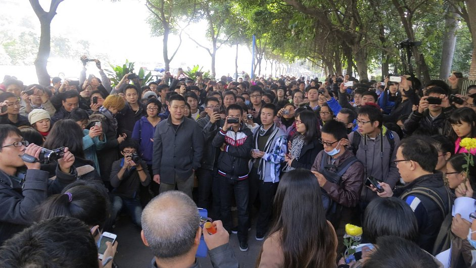 Protest proti cenzuře u sídla čínského listu Nanfang Čoumo (Southern Weekly)