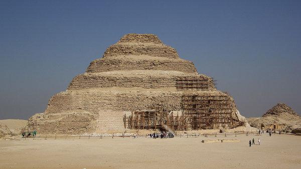 EK19 07 pyramidy dzoser Berthold Werner