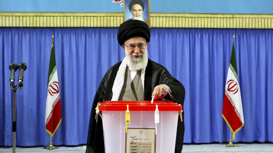 Nejvyšší íránský duchovní vůdce ajatolláh Alí Chameneí