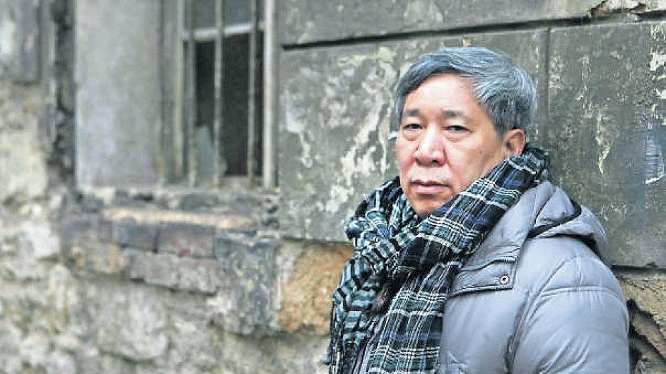 Jen Lien-kche dnes vyučuje literaturu na Lidové univerzitě v Pekingu.