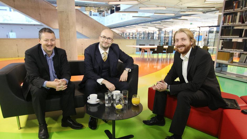 Debata Face to Face. Libor Winkler, předseda představenstva RSJ, Martin Kozumplík, předseda představenstva Cyrrus a moderátor Karel Tinl