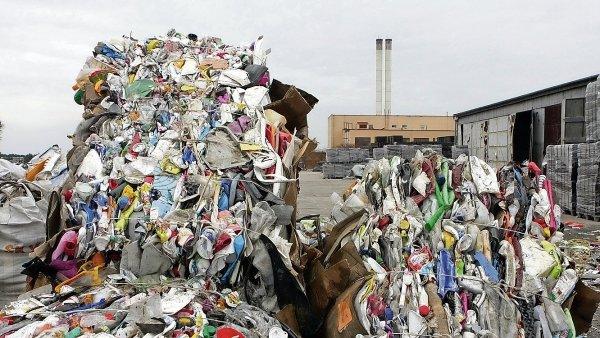 Čínská společnost Beijing Enterprise koupí za rekordní částku německou firmu na zpracování odpadu - Ilustrační foto.